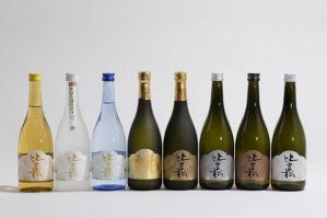 福岡県朝倉市にある酒蔵、篠崎の日本酒『比良松』のラベルをデザインしました。